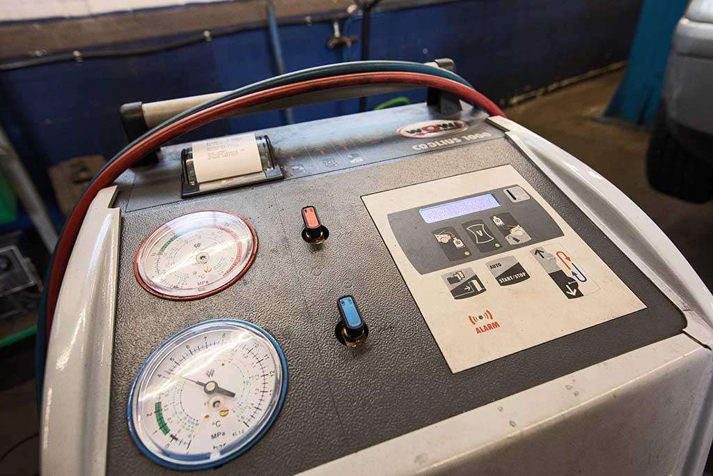 testgeraet bei sus autotechnik in krefeld